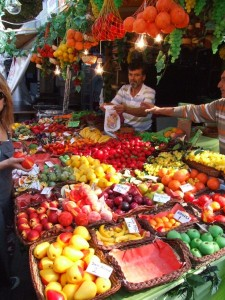 Vegtable market in Turkey (click to enlarge)