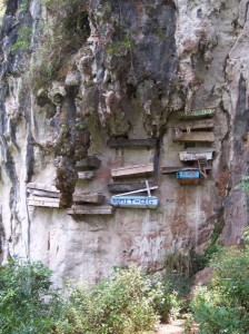 The Hanging Coffins of Sagada, The Philippines (click to enlarge)