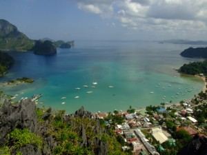 View of El Nido from above (click to enlarge)