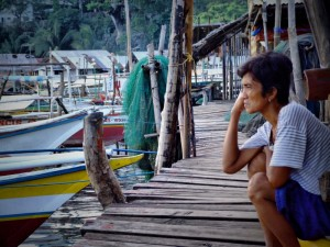 Filippina Lady thinking in Puerto Princessa, The Philippines (click to enlarge)