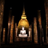 Wat Mahathat, Sukothai Temples at night, Thailand
