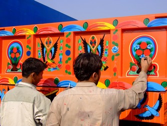 Pakistani truck Painter
