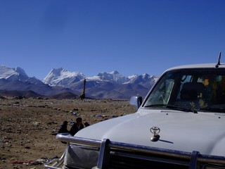 Land Crusier stopping for Mount Everest View